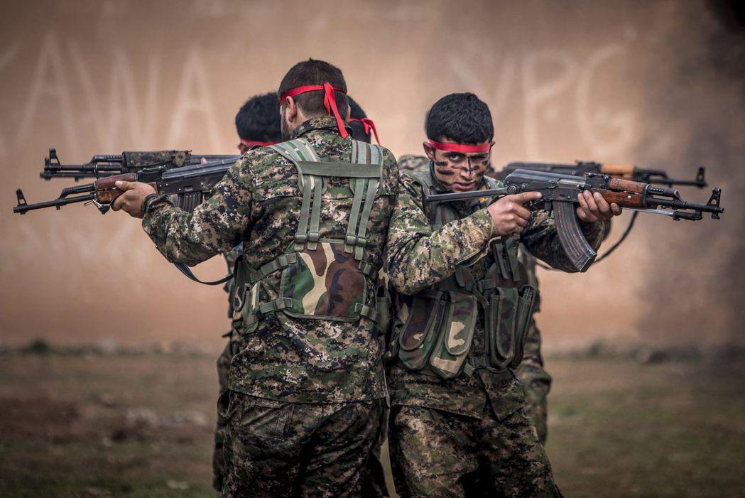 美國軍援YPG對抗伊斯蘭國,但土國視YPG和PKK為恐怖組織。去年10月,PKK...