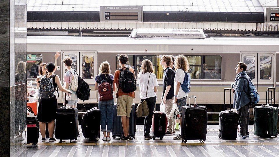 行李箱尺寸 pixabay.com