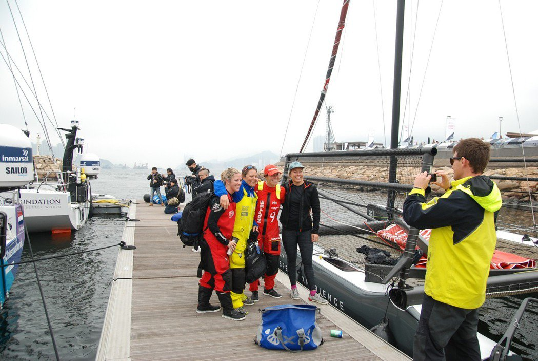 許多船員並非第一次參賽,水手們彼此也相互認識。 記者林鼎智/攝影