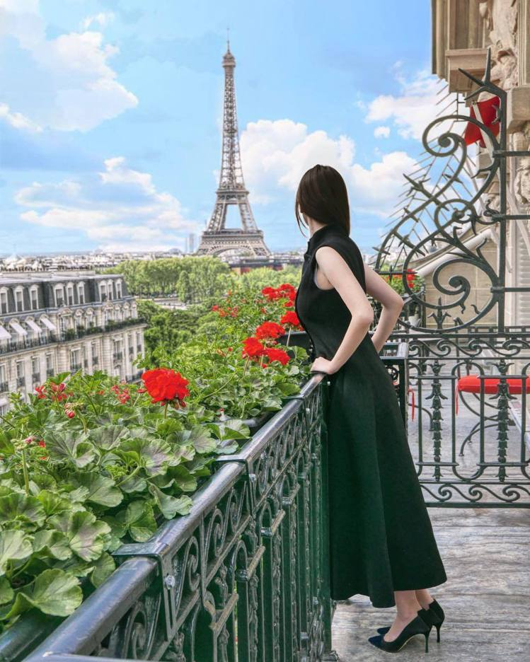 「Valentine in Paris」部落客Valentine。圖/擷自ins...