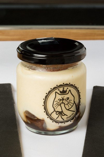 銀のティラミス(銀提拉米蘇)¥600/銀提拉米蘇是以帶有宛如香草風味的著名威士忌...