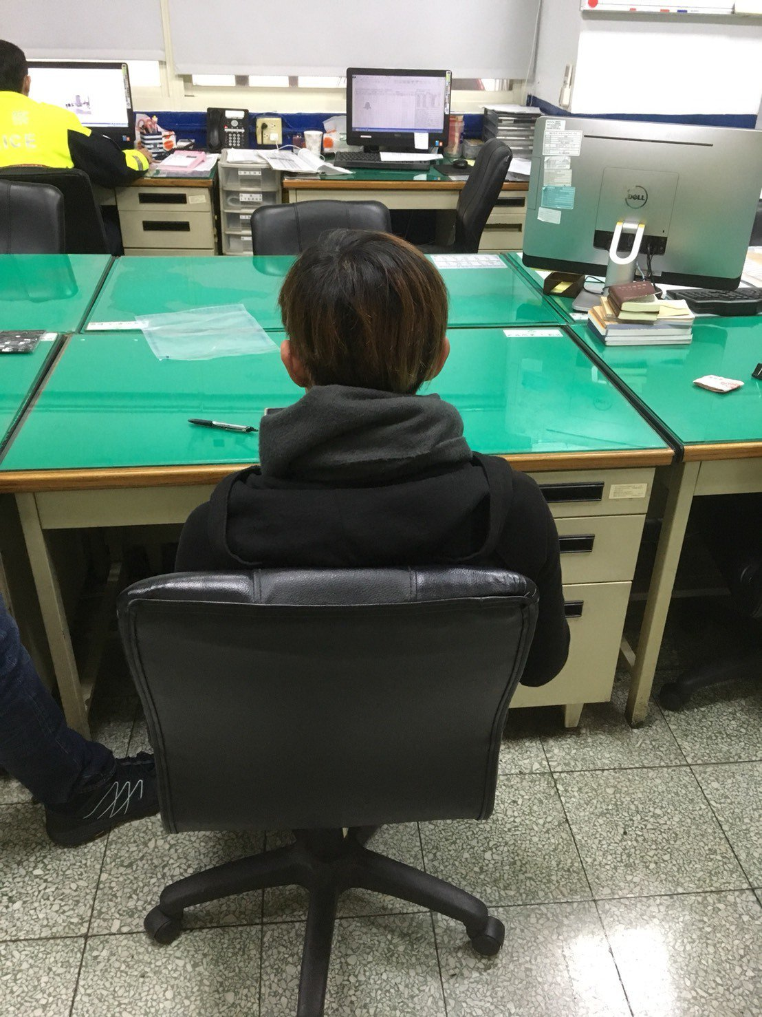 朱姓少年自稱從15歲開始就在西門町打工推銷商品。記者蕭雅娟/翻攝