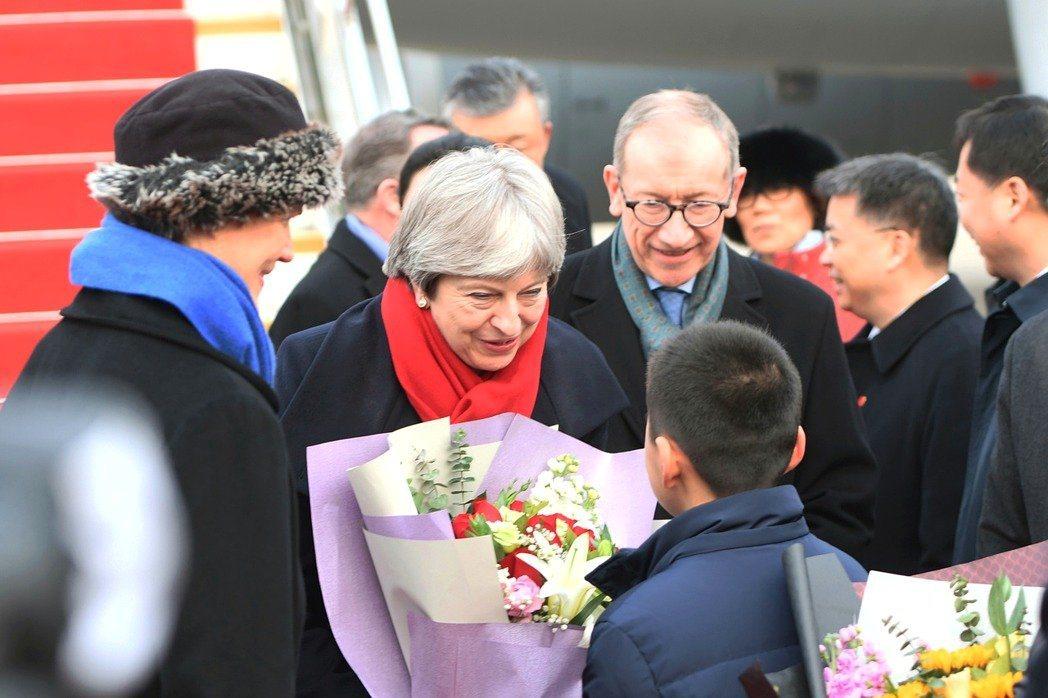 英國首相梅伊昨日抵達湖北武漢,開啟她首次訪華之旅。 (新華社)