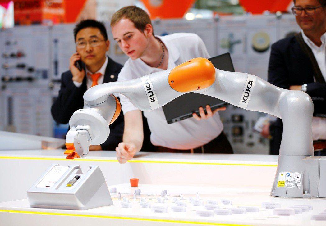 中資尋求兼併歐盟公司的幅度大於他國。圖為德國最大機器人製造公司庫卡,2016年被...