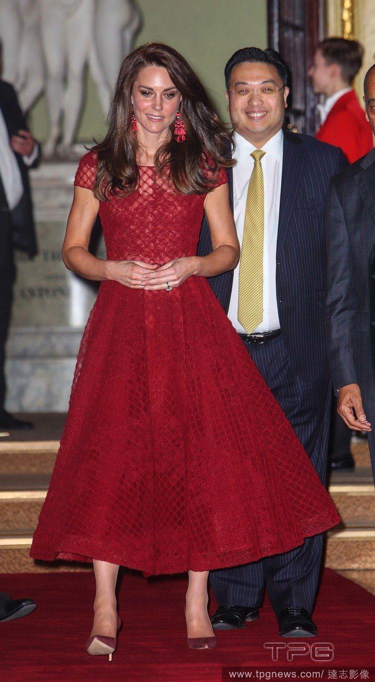 凱特王妃也曾穿著Marchesa的洋裝亮相。圖/達志影像