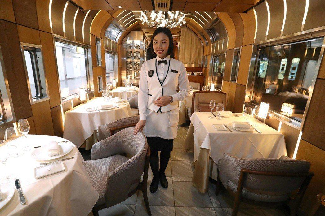 TRAIN SUITE四季島列車中的豪華餐廳車廂。 圖/法新社