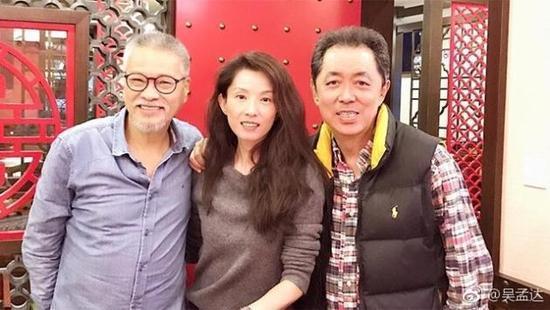 吳孟達(左起)、葉全真與朱延平。圖/摘自微博