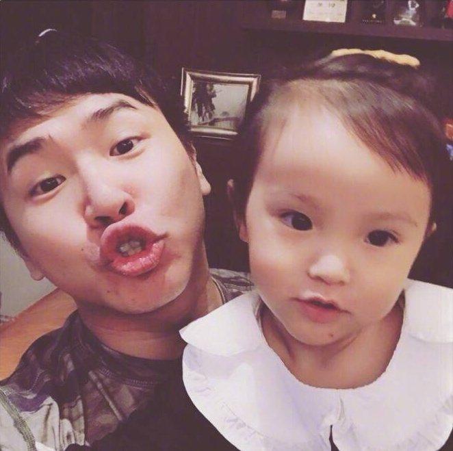 歐弟與女兒JOJO疑似成為「爸爸去哪兒6」受邀名單中。圖/摘自歐弟微博
