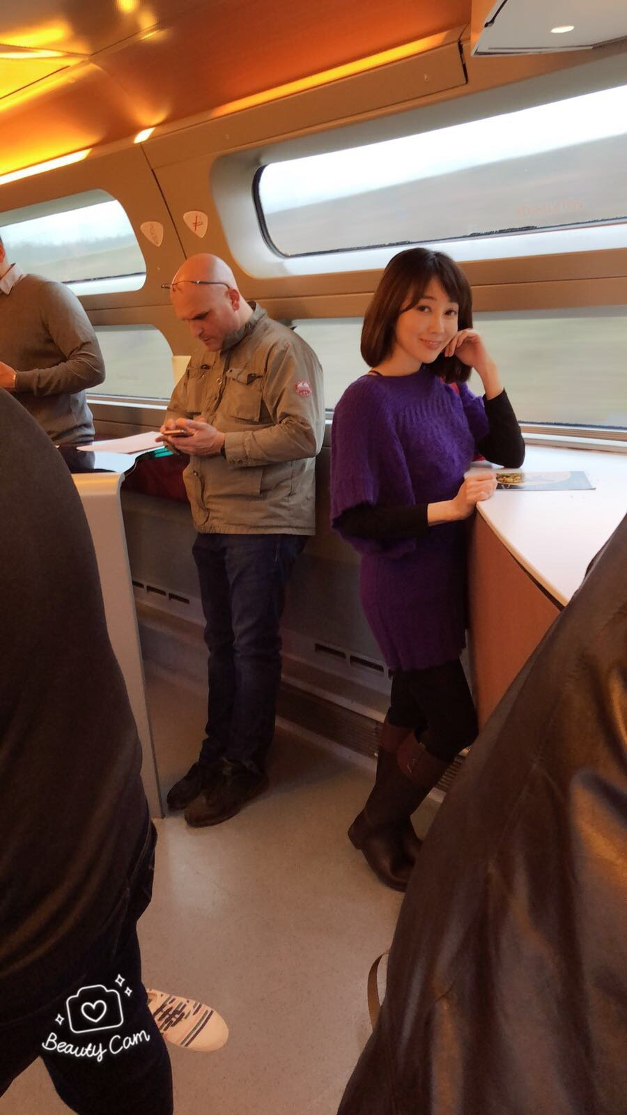 Nana在高鐵上。圖/Nana提供
