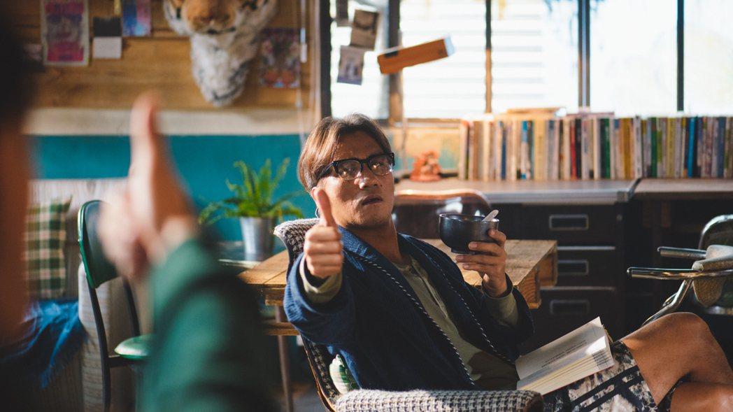 馬志翔飾演頹廢租書店老闆。圖/歐銻銻娛樂提供