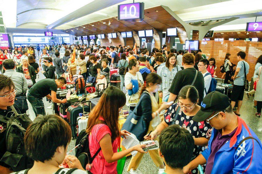 近7成台灣旅客在出發前30天內訂飯店,近3成甚至出發前6天內才預訂。 圖/聯合報...