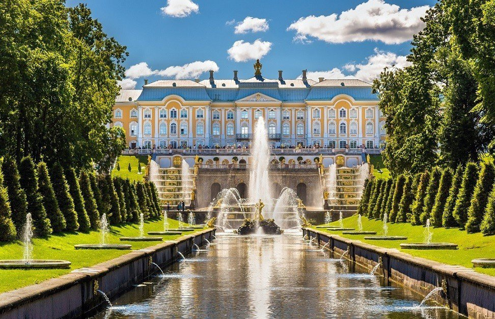 生肖屬狗的開運旅遊地可考慮到俄羅斯聖彼得堡彼得大帝夏宮。 KAYAK/提供