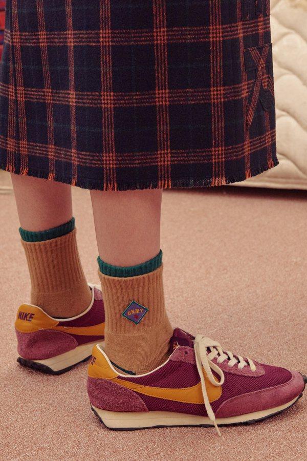 ADER error雙色鑲邊襪,售價680元。圖/ARTIFACTS提供