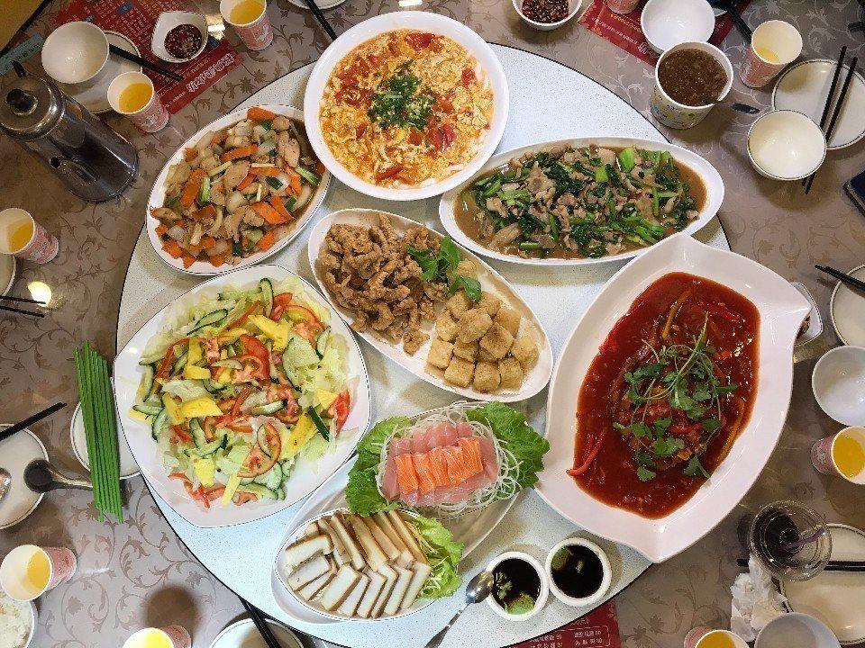 圖說:到礁溪泡湯,不忘吃桌好菜,宜蘭菜若真要講古,可是三天三夜都說不完的美味。