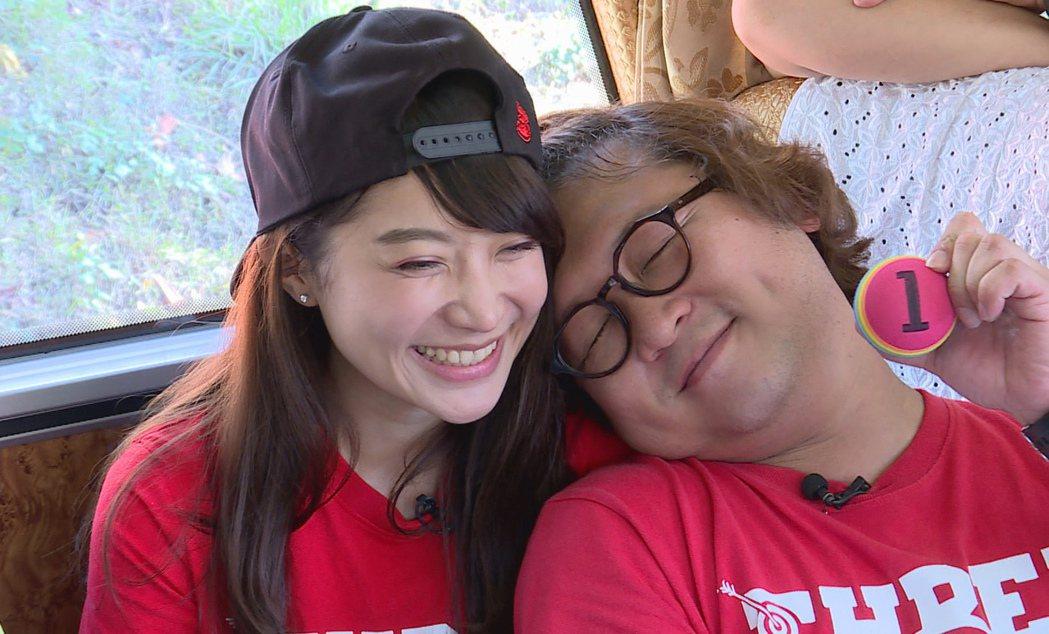 納豆大方和女友一起上節目。圖/台視提供