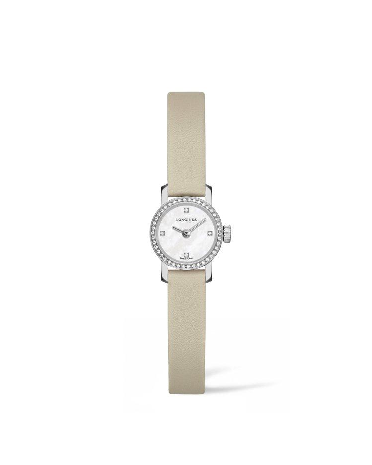 浪琴迷你系列鑲鑽珠寶表,米白色皮革表帶,約46,700元。圖/Longines提...