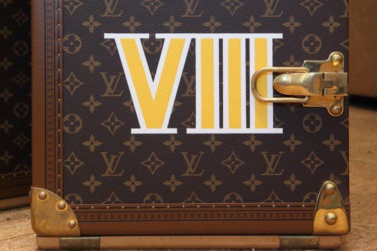 來台展出的路易威登「香氛寶箱」為編號第8號箱,也是亞洲人偏愛的幸運數。圖/LV提...