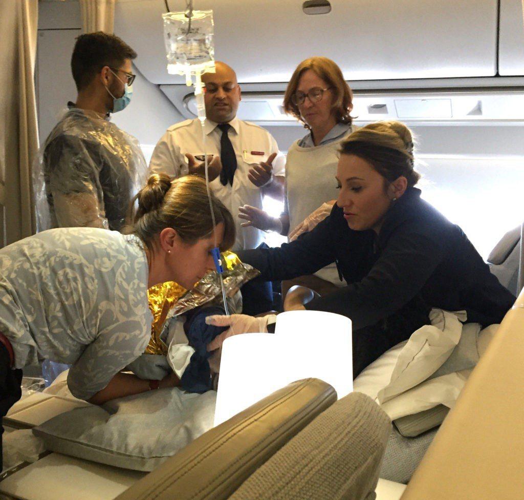 泌尿科醫師高空緊急接生,鞋帶綁臍帶拖出胎盤,母子均安。 圖/克利夫蘭診所官網提供