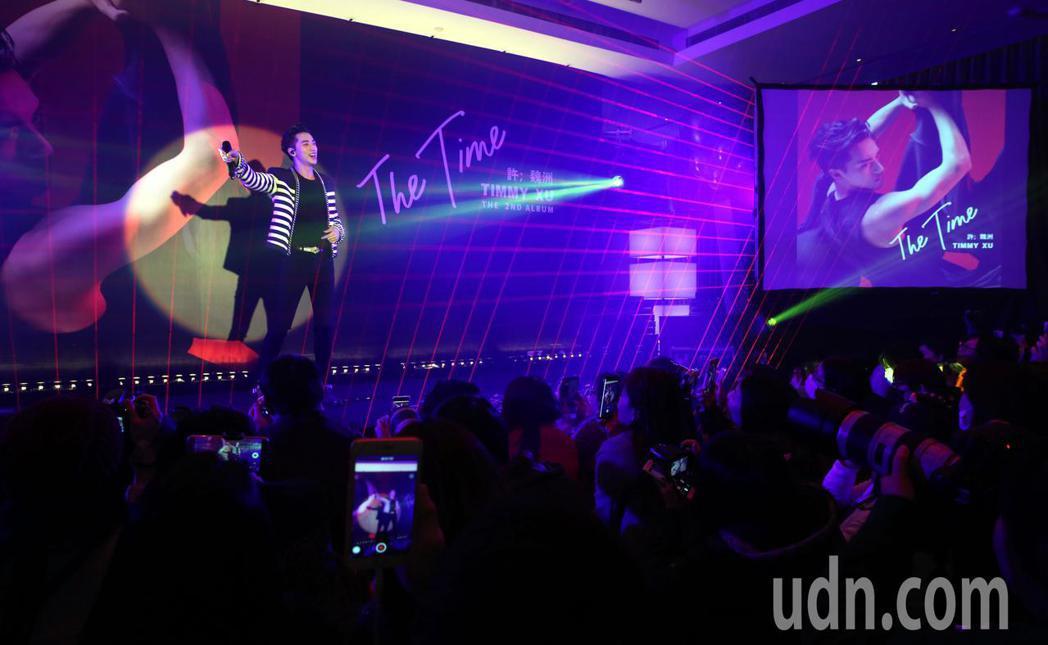 高顏值小鮮肉才子許魏洲首度來台, 下午在台北舉行新專輯「The Time」全亞洲...