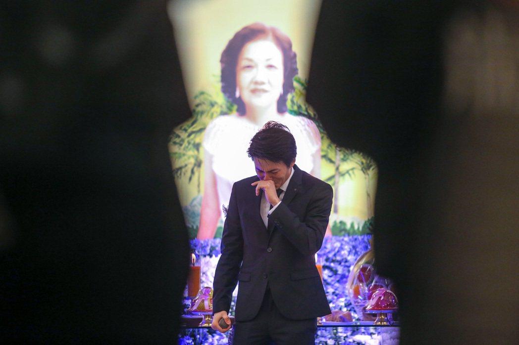吳克群忍不住落淚。記者鄭清元/攝影