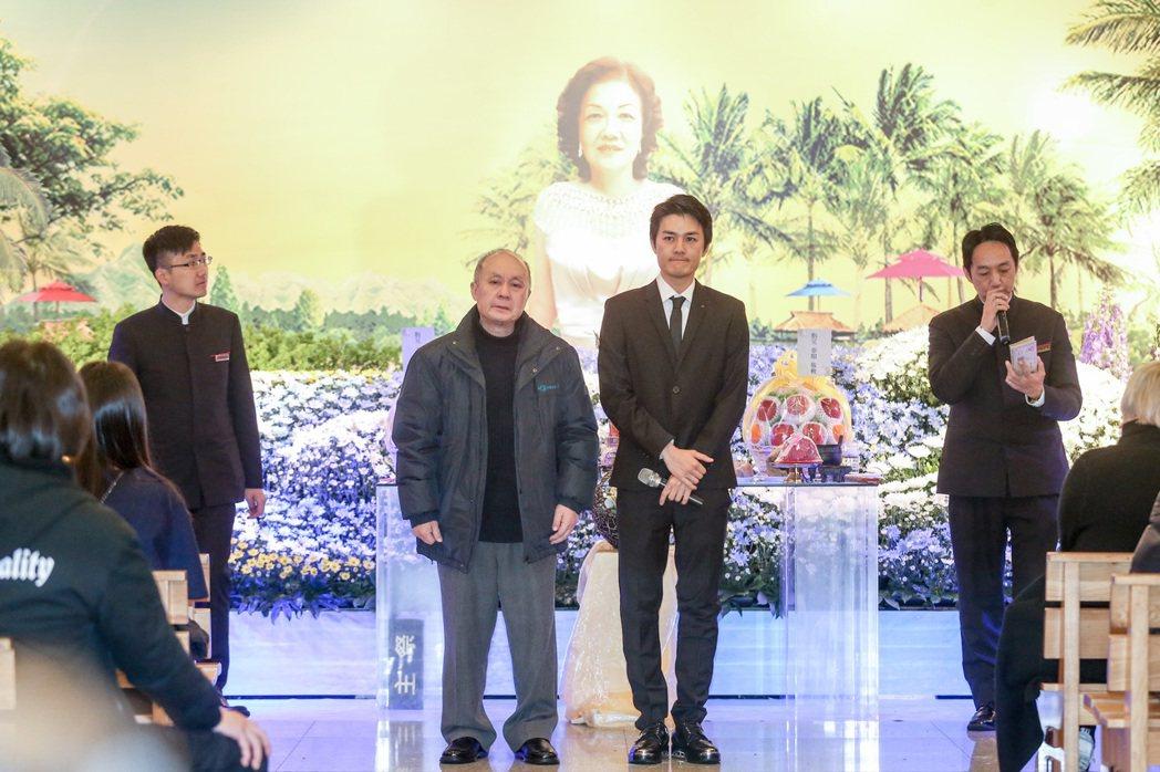 吳克群的媽媽上月病逝於家中,今天舉辦告別式。記者鄭清元/攝影