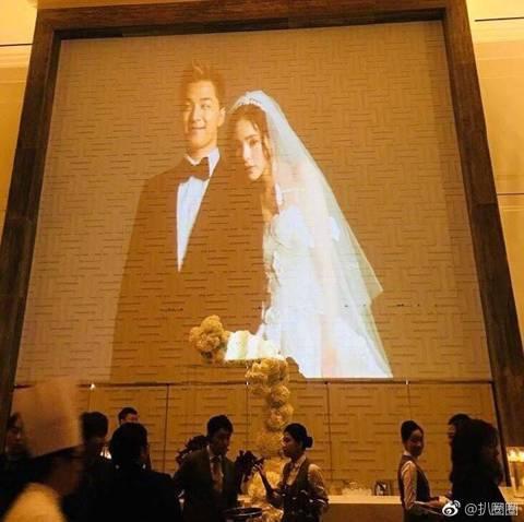 BIGBANG的太陽3日與初戀女友閔孝琳完婚,兩人於台灣時間下午2點在首爾中央教會舉行婚禮。許多演藝圈好友包括勝利、CL、Dara都陸續到場,GD和T.O.P也在趕往婚宴場地時被拍到。只不過從婚禮到...