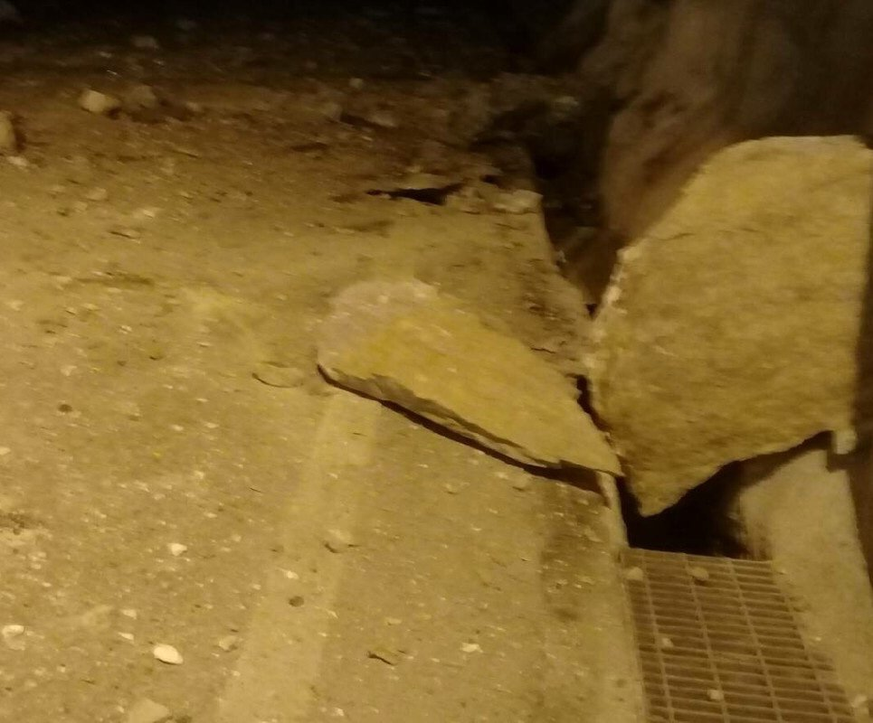 受多次地震影響,蘇花公路目前多處落石。圖/翻攝蘇花即時路況