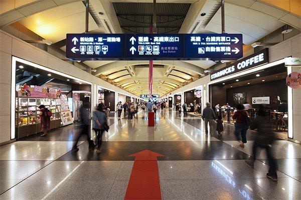 超級城市是板橋商區少有的3字頭房價,價格誘人。 圖/SUPER讚 提供