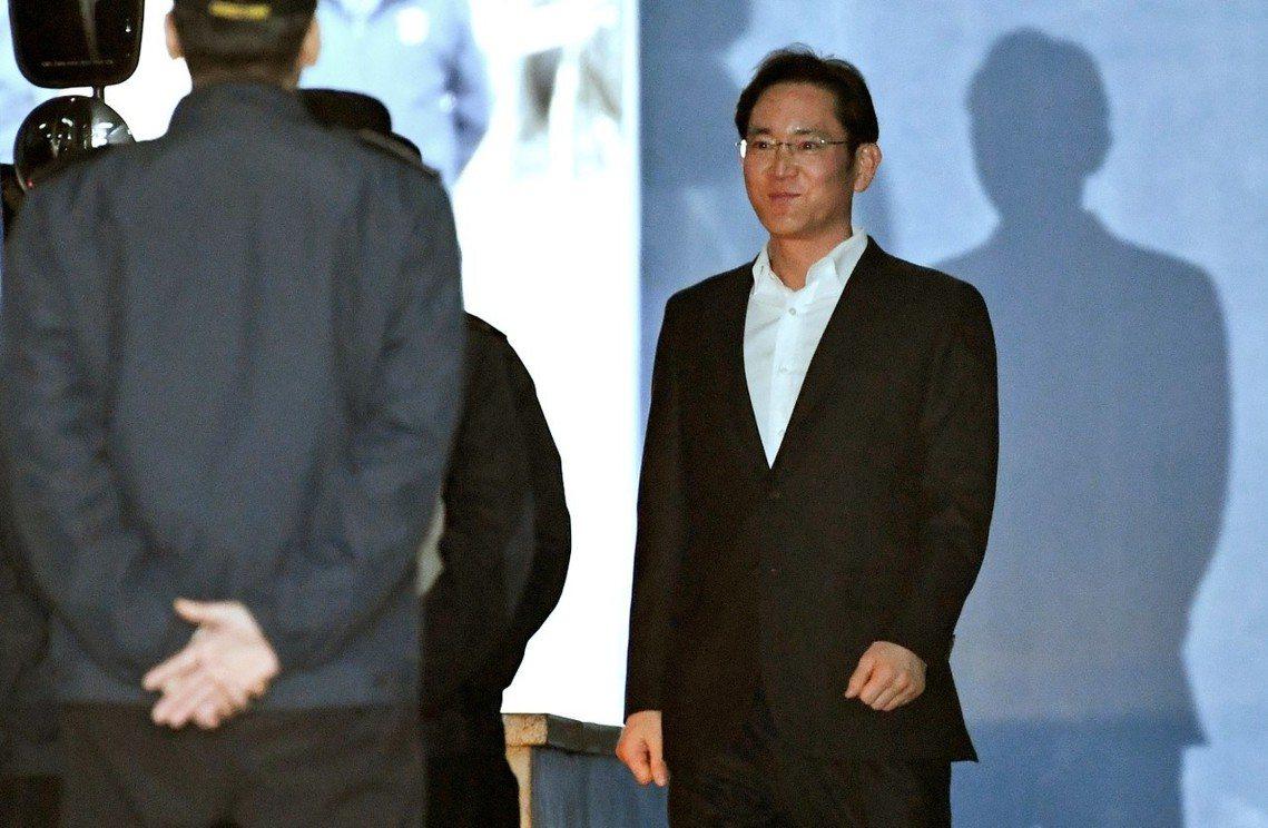 2月5日,李在鎔重獲自由圖。 圖/美聯社