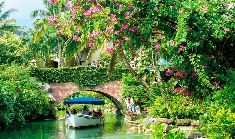 理想大地渡假飯店打造更勝水都威斯尼的美景,為國內獨領風騷的觀光景點。 業者/提供