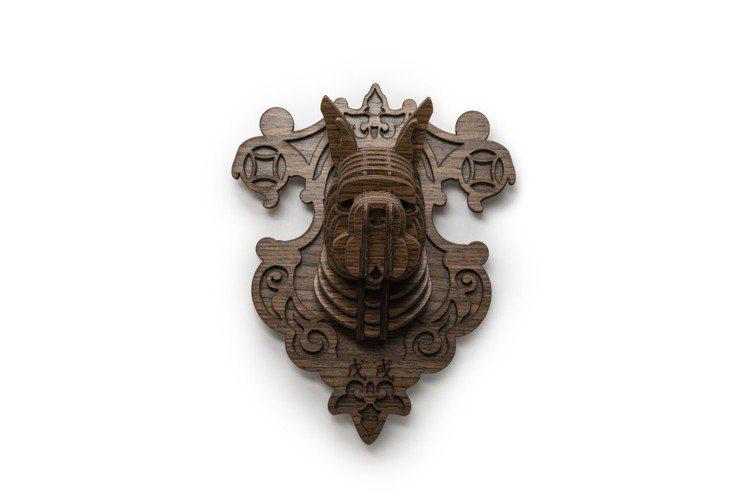 Tenonart限量十二生肖戊戌狗來福掛飾,杜賓造型,售價1,750元。圖/北歐...