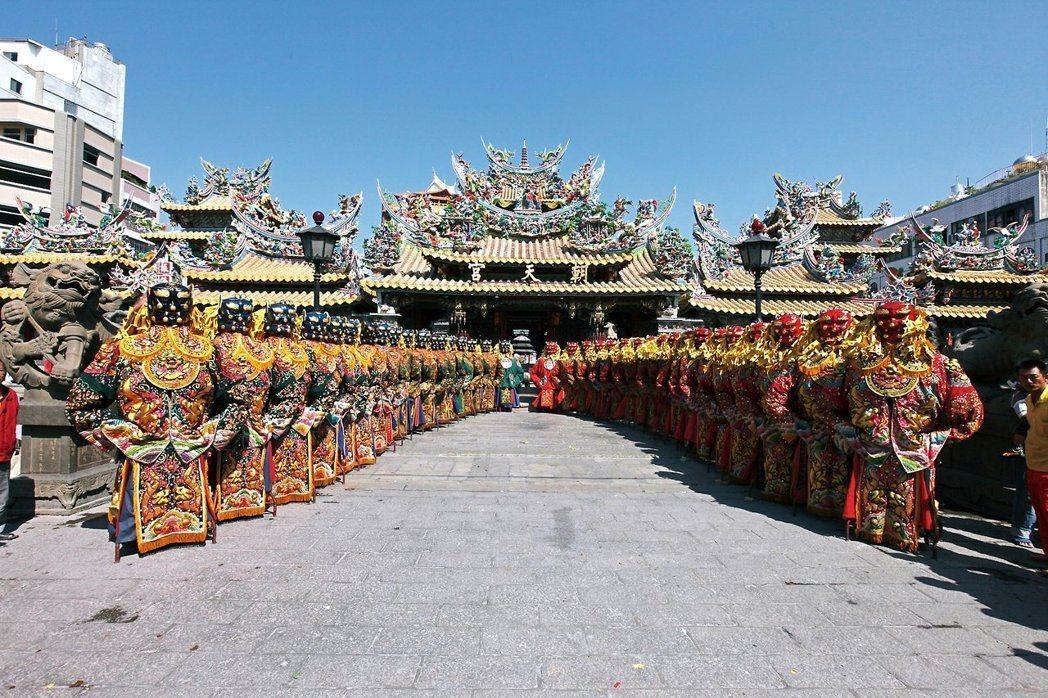 北港朝天宮媽祖香火相當鼎盛,也是許多民眾走春必去景點。圖/本報系資料照