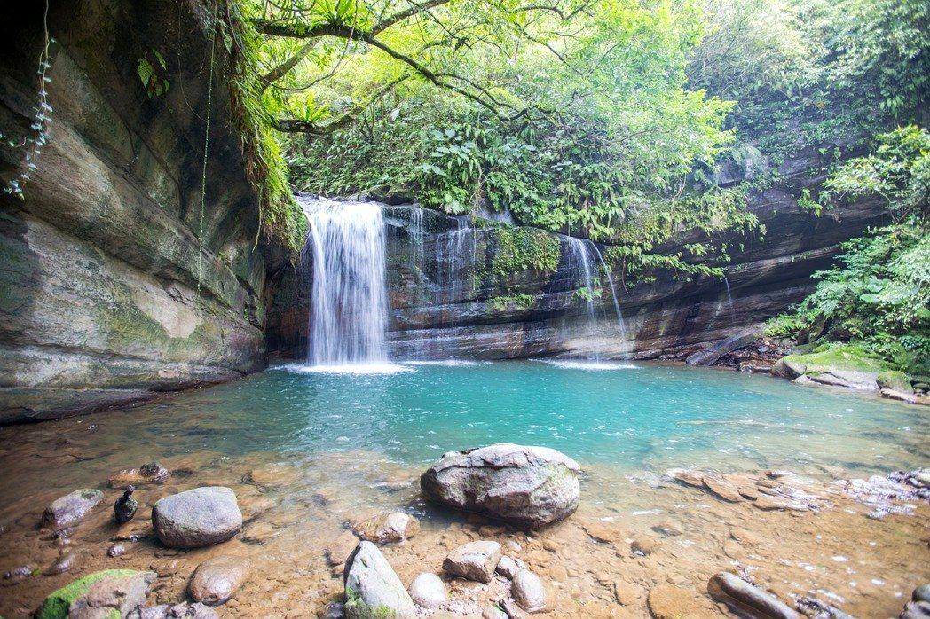 望古瀑布是新北祕境,走春兼踏青,輕鬆拍下網美級景點。圖/觀旅局提供