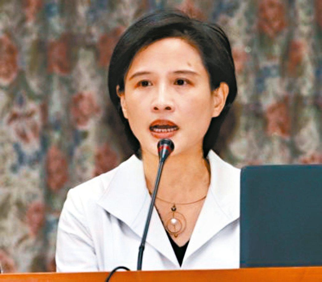 文化部長鄭麗君研擬「新書售價規範」,計畫新書出版一年內限打9折。聯合報系資料照