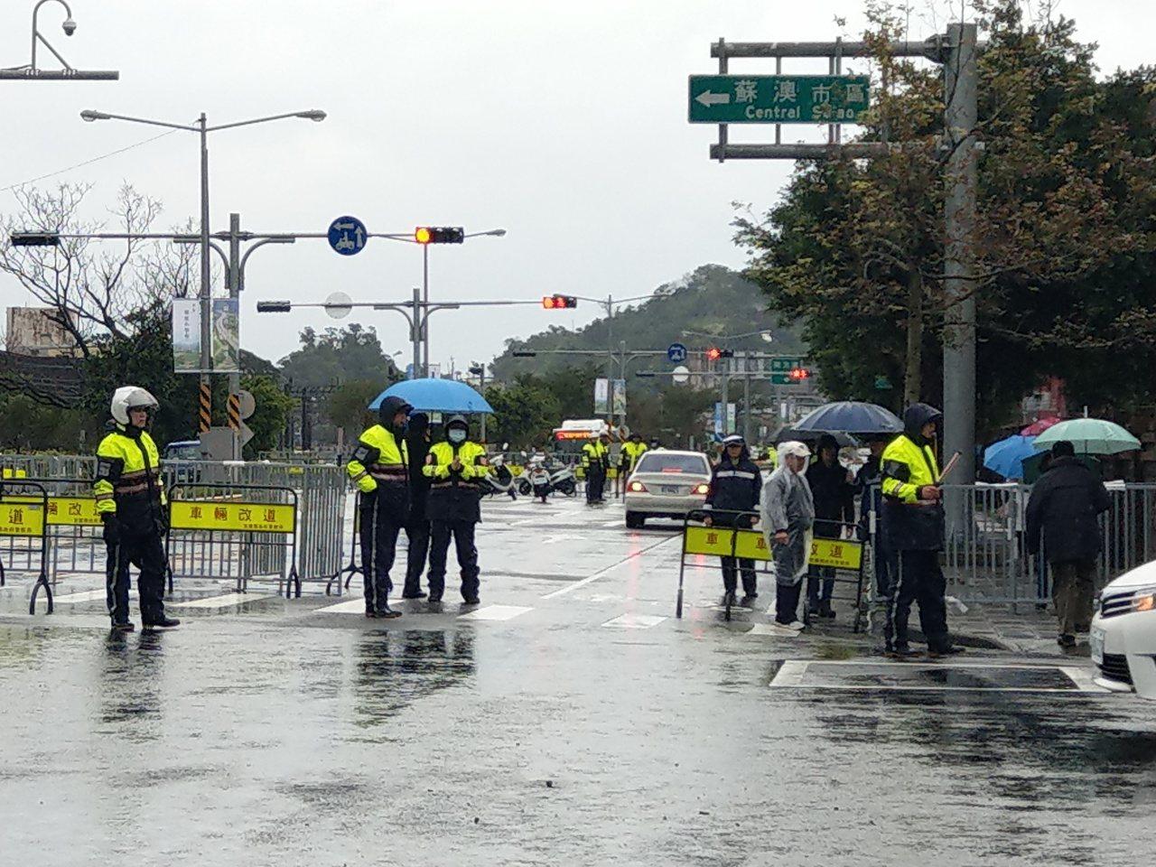 杜絕抗議者鬧事 蘇花改通車典禮辦在隧道裡
