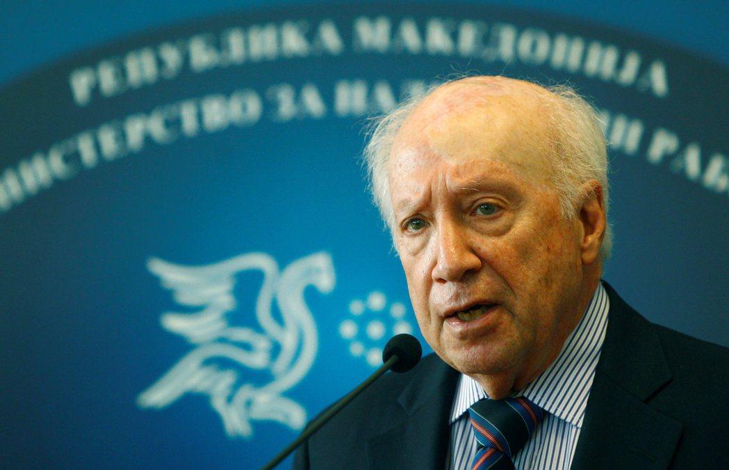 聯合國秘書長特使尼梅茲為馬其頓想國名想了23年。路透