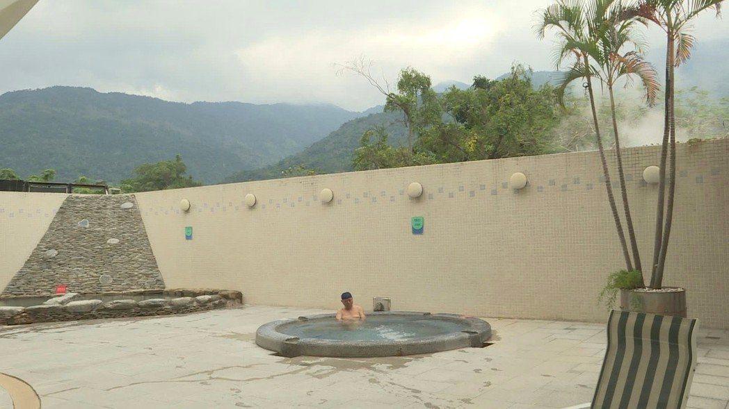 冬天泡湯是最棒的享受,燦星祭出多家溫泉旅館優惠。圖/本報系資料照