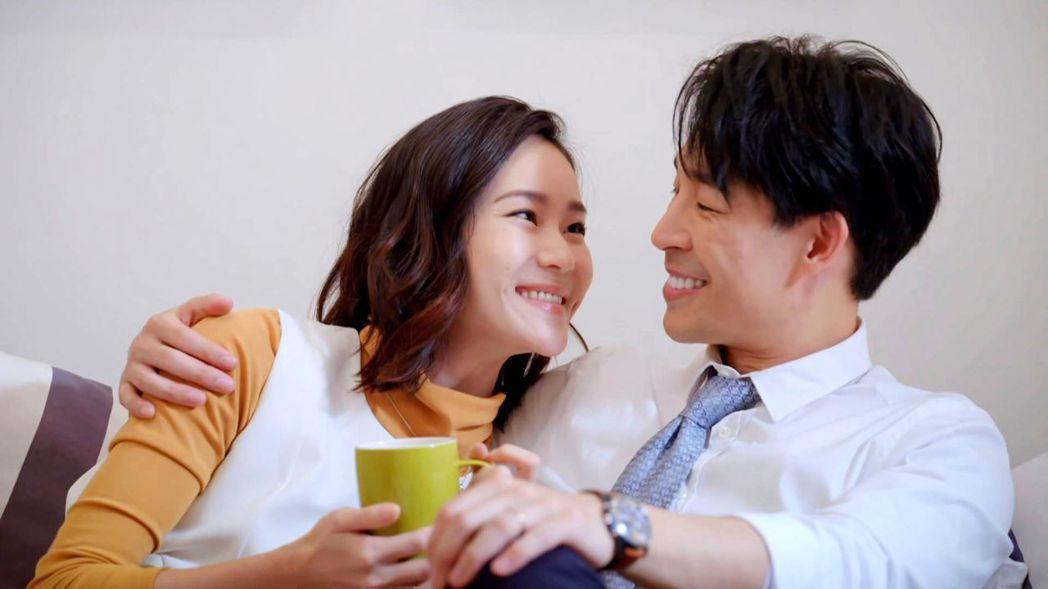 鍾瑶(左)與藍鈞天劇中婚事遭小三破壞。圖/三立提供