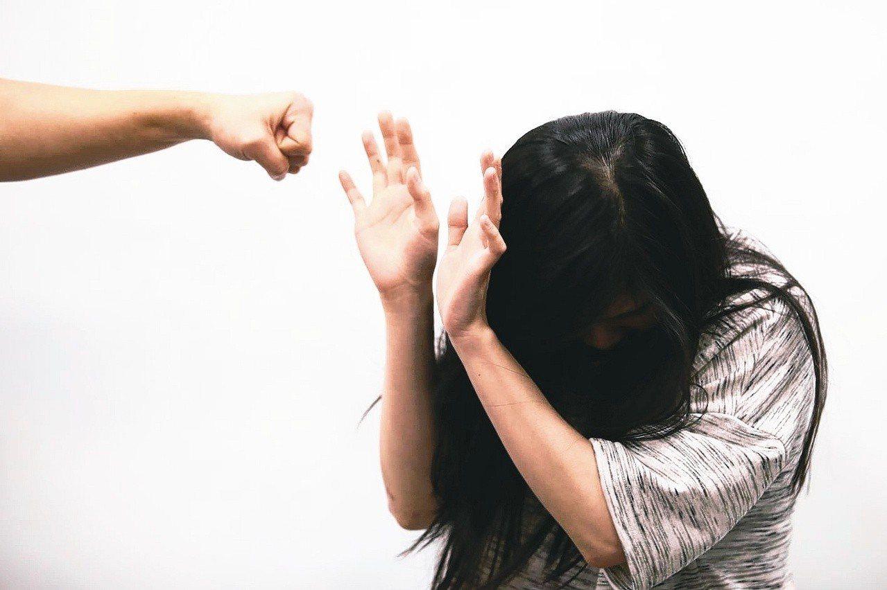 性勒索案件頻傳,超越網路霸凌。 圖/聯合報資料照片