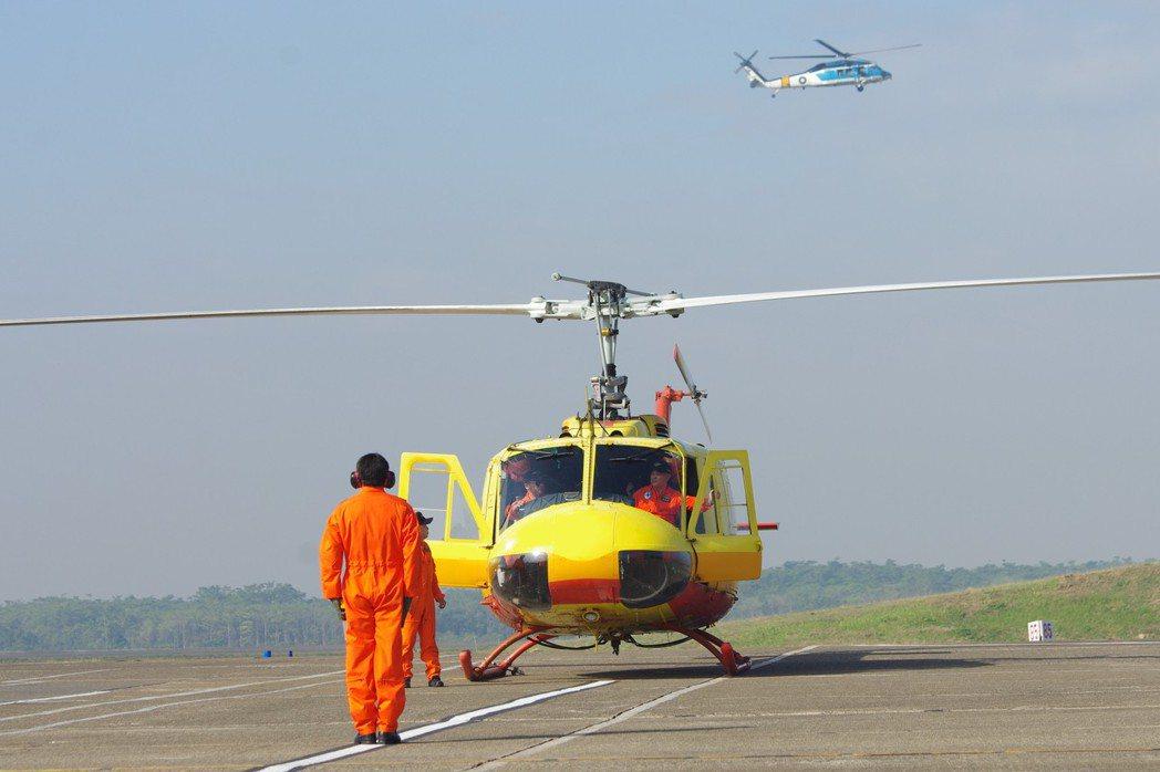 UH-1H直升機較不適合狹窄地區的作業及停降。 圖/聯合報系資料照片