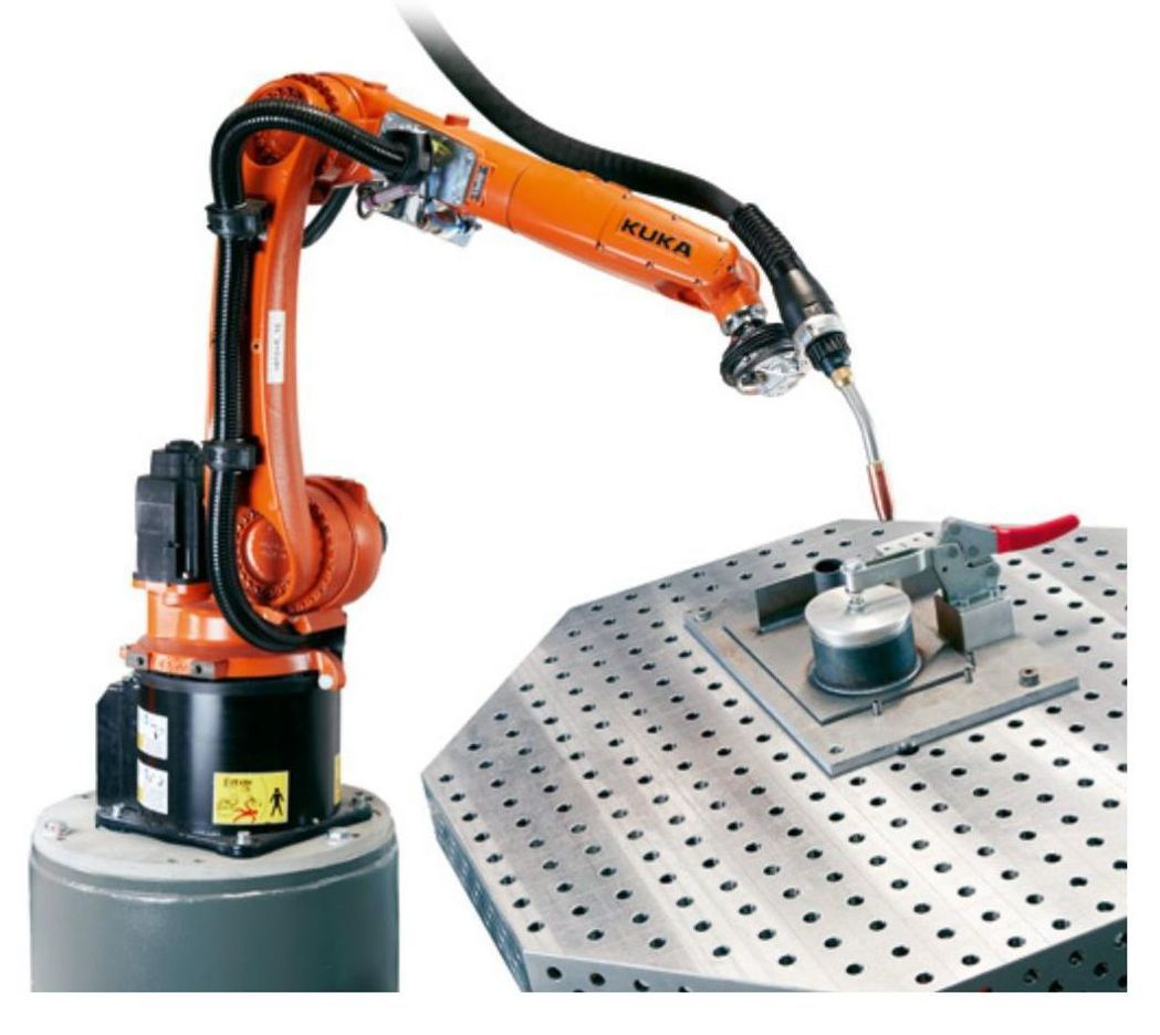 應用在銲接的機器人。 KUKA/提供