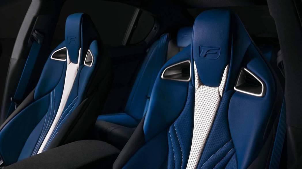 GS F 跑車座椅。 摘自LEXUS