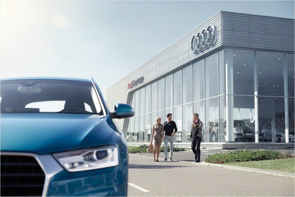Audi全台授權服務廠自大年初一(2/16)至大年初五(2/20)期間,提供緊急維修服務及道路救援服務,隨時為車主們解決愛車們的疑難雜症。 圖/台灣奧迪提供