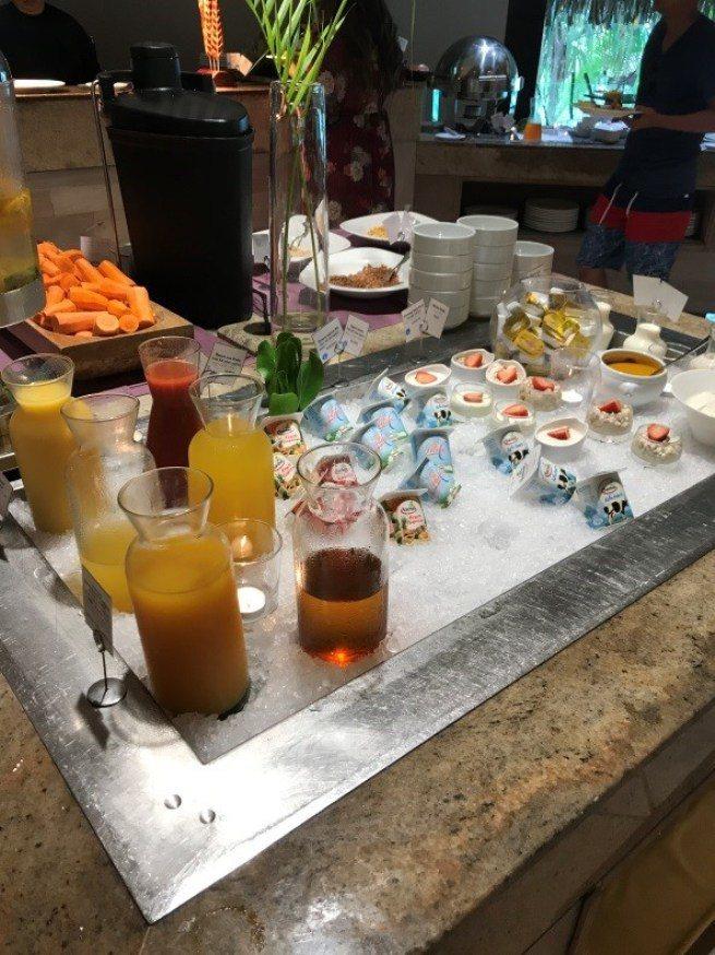 早餐選擇-果汁與優格。圖文來自於:TripPlus