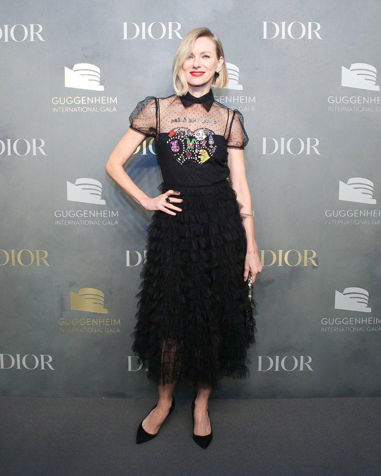 娜歐蜜華茲身穿2018春夏系列有愛心圖騰設計。圖/Dior提供