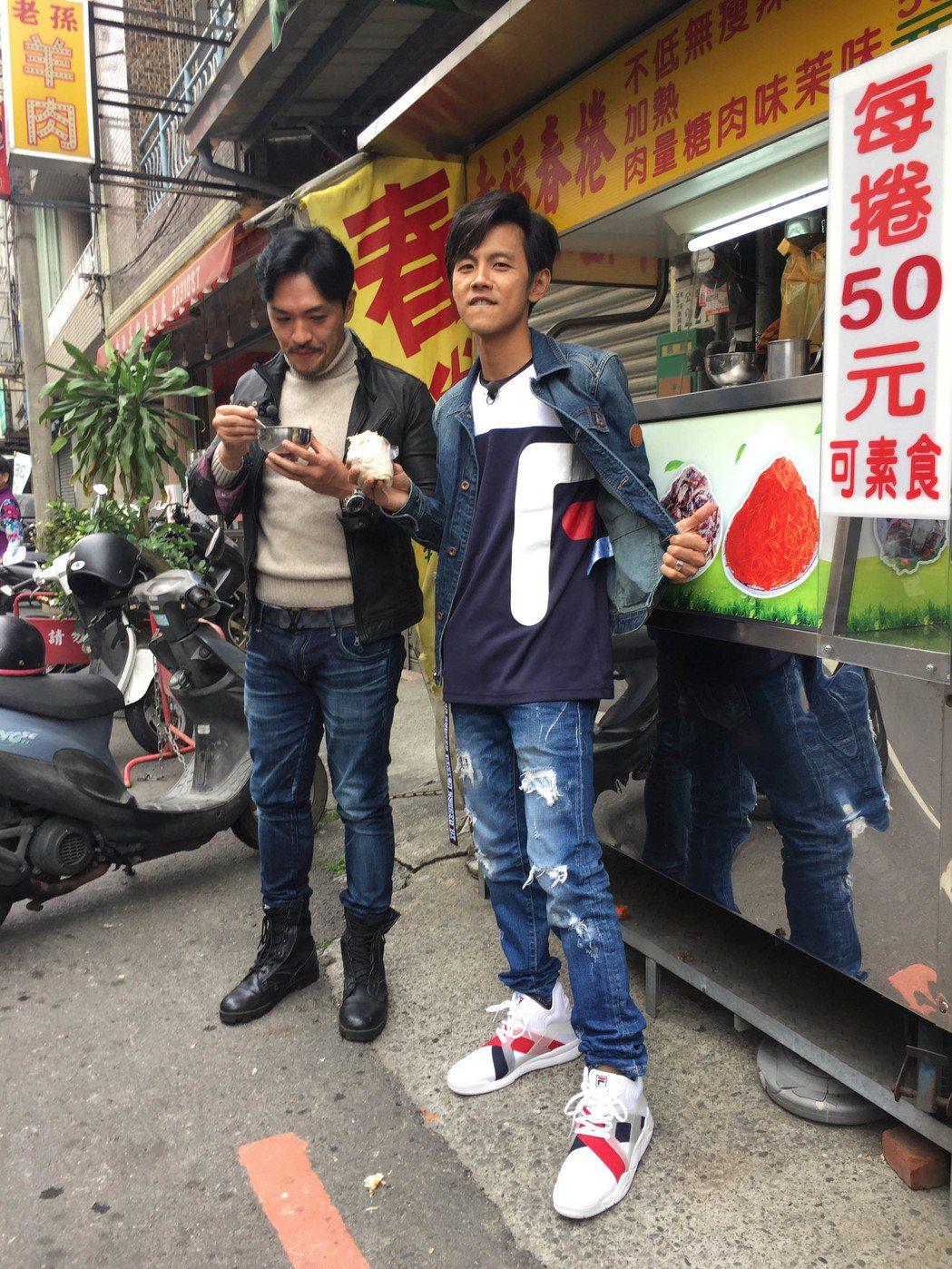 阿翔和夢多搭檔主持有不同火花。圖/TVBS提供
