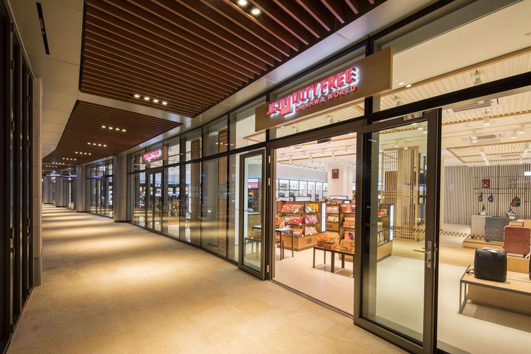 濟州旅遊發展局免稅店是全濟州島最大的免税店。 業者/提供
