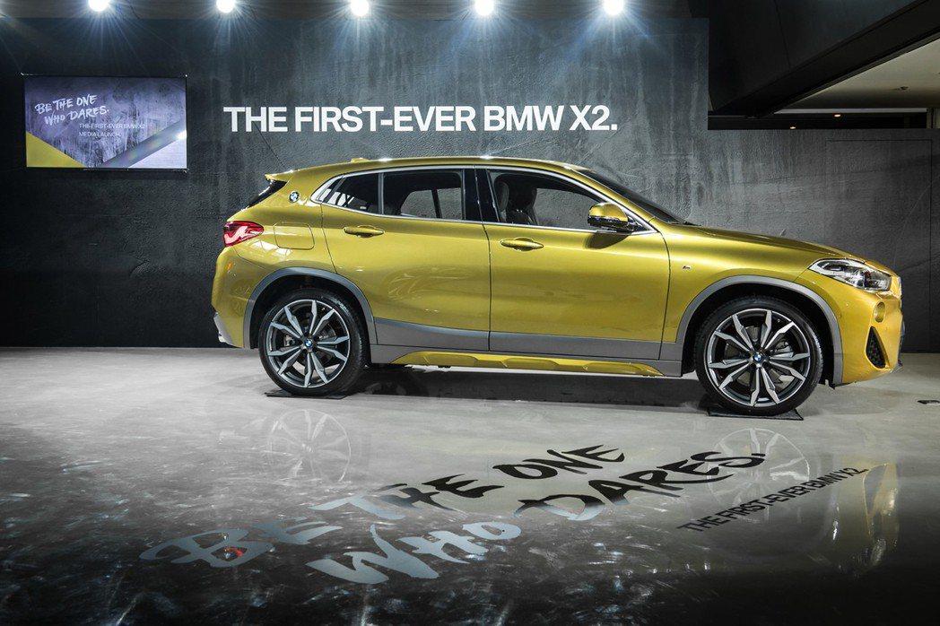 BMW總代理汎德公司發表全新運動跑旅X2,兩種車型建議售價分別為205萬及215...