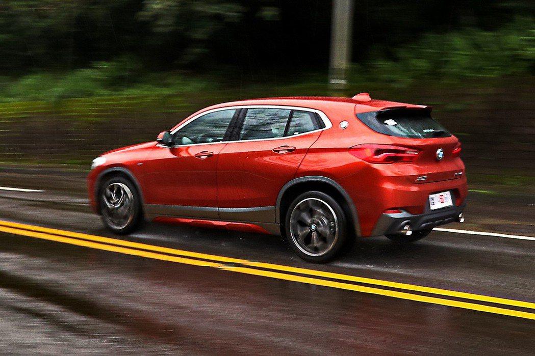 全新BMW X2建立起相當獨特的定位。 記者陳威任/攝影