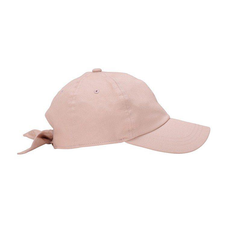 後蝴蝶結設計棒球帽290元。圖/GU提供